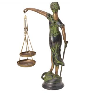 Classic Lady justice Statue for Home 7 Office Dcor by Bharat Haat BH05710