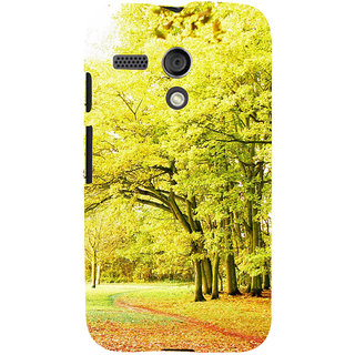 ifasho Green 3Dees with red leaves on the road Back Case Cover for Moto G