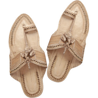 Awesome looking designers kapshi kolhapuri chappal for men