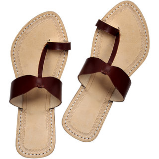 Awesome and attractive looking dark brown ladies chappal