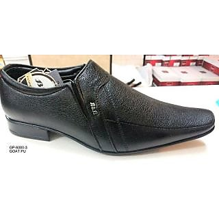 Trax Men Brown Formal Shoes