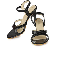 Do Bhai Women's Black Round Toe Heels