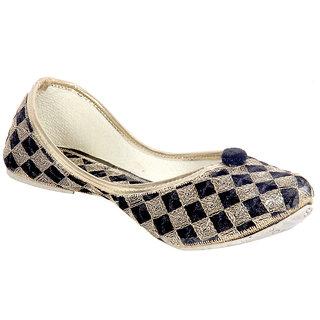 Panahi Women Gold Slip on Jutti
