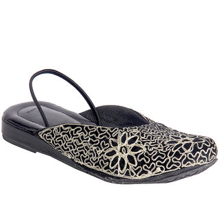 Panahi Women Black Slip on Jutti