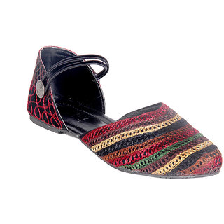 Panahi Women Multicolor Slip on Jutti
