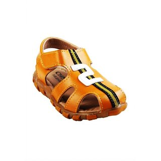 Small Toes Synthetic Leather Brown Comfortable Latest Stylish Solids Sandal For Baby Boys