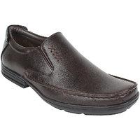 Guava Men Brown Slip On Formal Shoes - 101652639