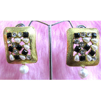 Black and White Stone Kundan Earring