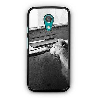 YuBingo Cat peeping from window Designer Mobile Case Back Cover for Motorola G2