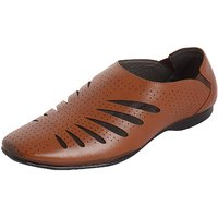 Kolapuri Centre Men's Brown,Tan Slip On Outdoor Sandals - 103265201
