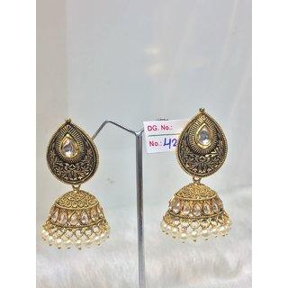 Jewelishq Classy Design Golden Leaf Shape Jhumki Earing Set