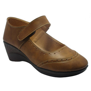 Sammy Womens Brown Casual Shoes