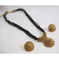 Black thread manglasutra necklace set