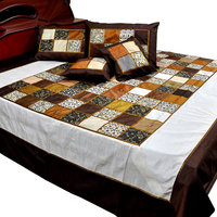 5 Piece Chess Design Silk Double Bed Cover Set