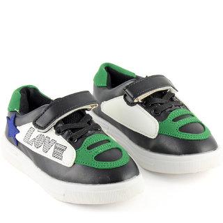 DeVEE Junior Love-stared Boys Black Green Flat Velcro Closing Running Shoes