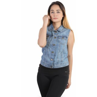 Kotty sleveless Denim jacket in light blue