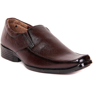 The Different Types Of Shoes Available On Yepme @ Rs 299 And Rs 199