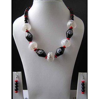 Fancy Necklace With Fancy Black And White Beads