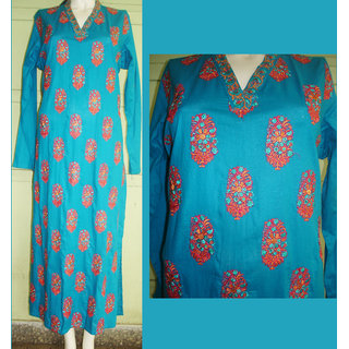 KUR3Blue Cotton Kurti With All Over Thread Embroidery