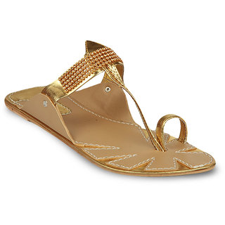 Studio 9 Women's Gold Kolhapuri