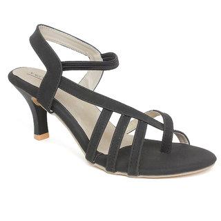 Vendoz Women Black Kitten Heels