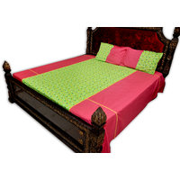 SleepSmart  Pink & Green  Printed Designer Bedsheet With Pillow Covers