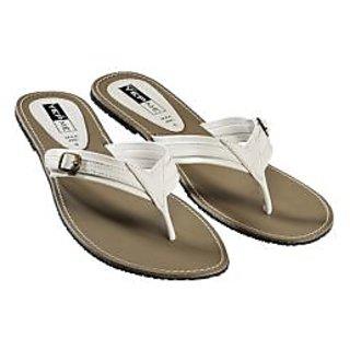 Yepme Coral Sandals- White