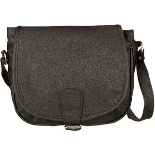 Louise Belgium Black Plain Zipper Clutch