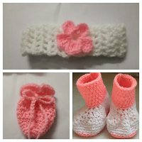 Pink CollectionHand made woolen baby booties with a crochet baby mitten and a crochet head band