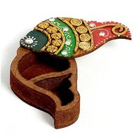UFC Mart Shank Design Kumkum Chopra Made In Wood And Clay.
