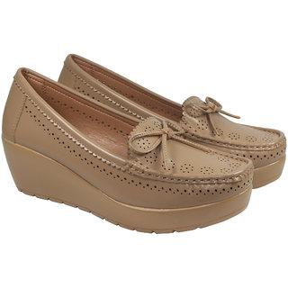 Marea Habit Womens Loafer