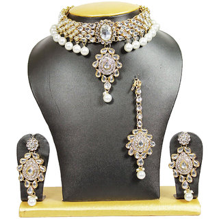 Lovely Close Neck Kundan Necklace Set In White With Pearls