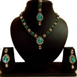 Beautiful Fancy Design Kundan Necklace Set With Earings