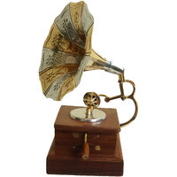 Gramophone Model - The Woods Hut