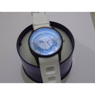 Funkydealz  Analog Designer Wrist Watch For Men / Women  W2-005 With Box