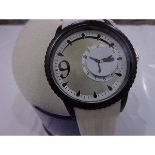 Funkydealz  Analog Designer Wrist Watch For Men / Women  W2-051 With Box