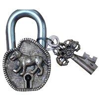 Aakrati Dog Figure Antique Pad Lock Of Brass In Antique Finish