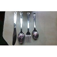 24 Pcs Cutlery Set - 6 Spoons,6 Forks,6 Tea Spoons,6 Knife