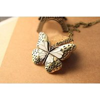 GirlZ! Fashion luxury retro butterfly necklace pendant with chain
