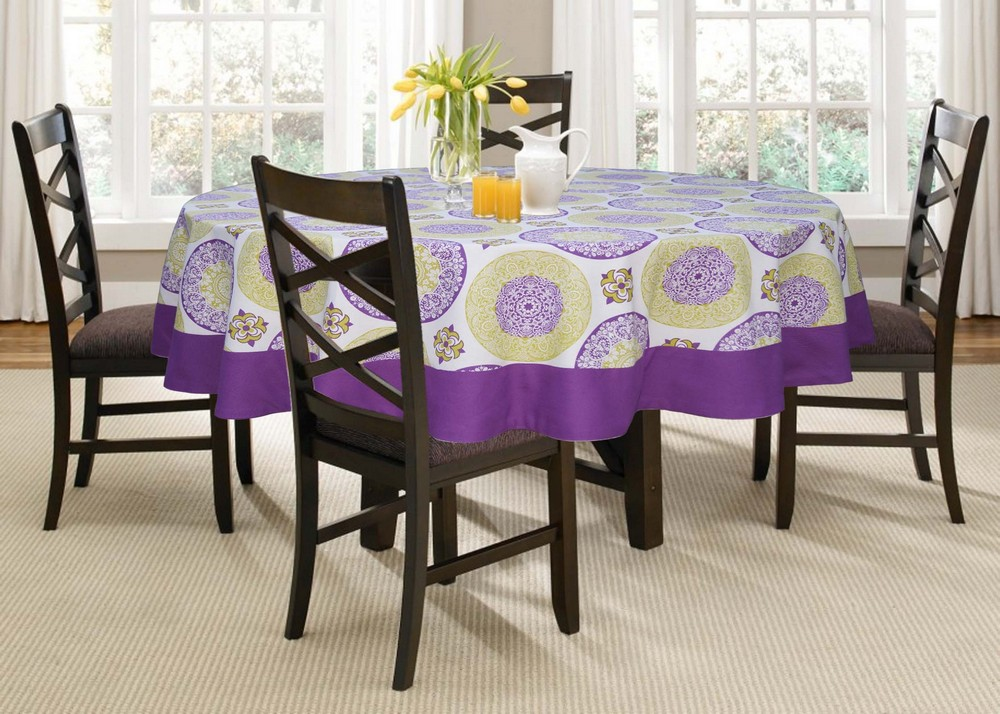 Lushomes 6 Seater Bold Printed Round Table Cloth