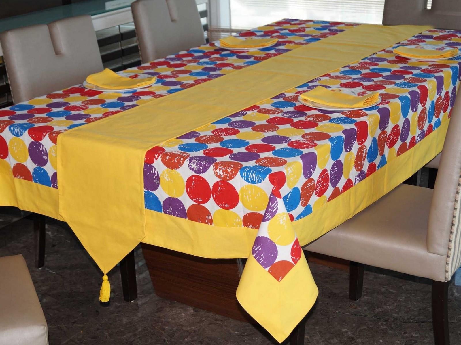 Lushomes Titac Printed 4 Seater Table Linen Set