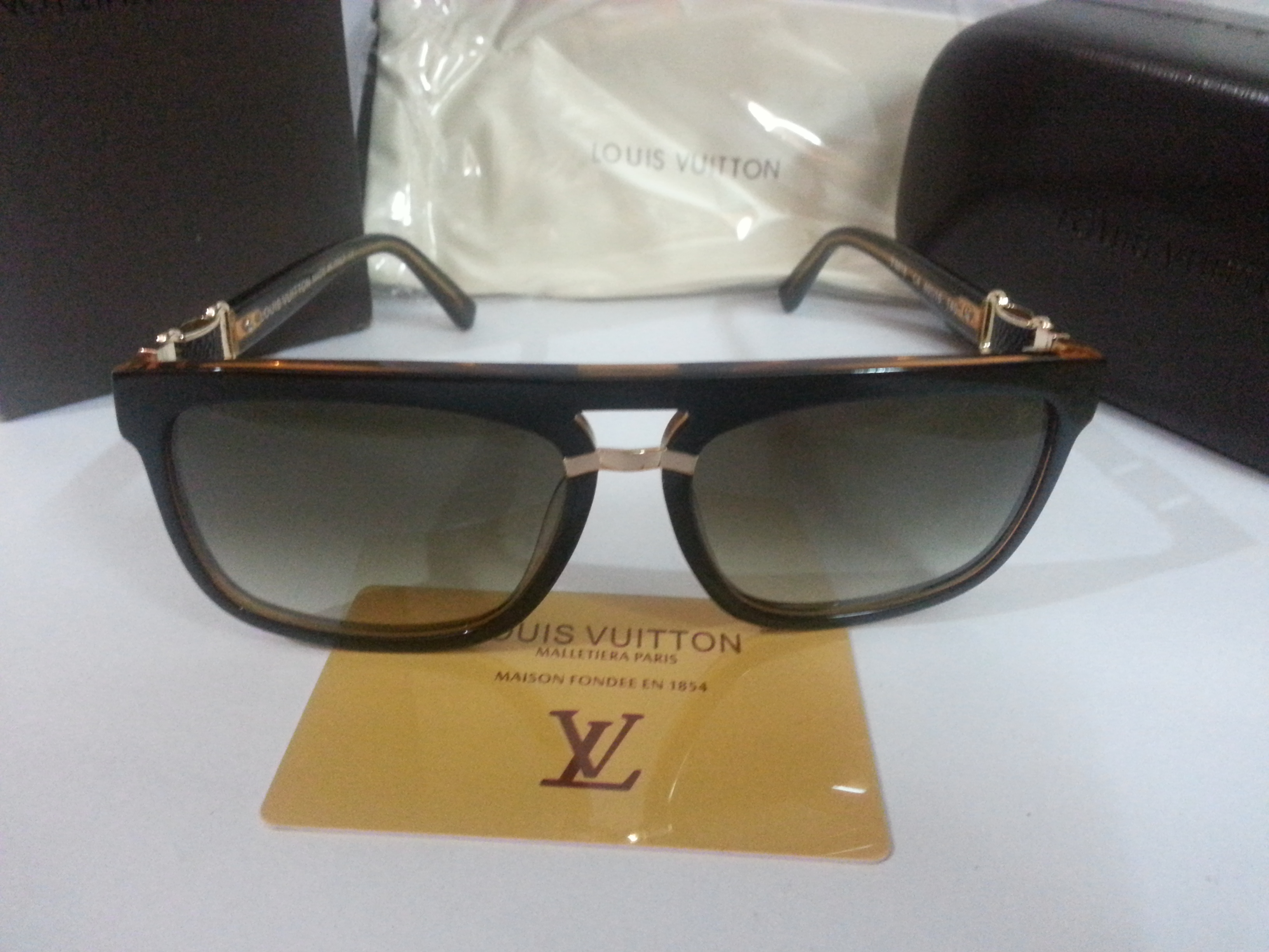 5a9cc76f67 LUXURY Louis Vuitton Sunglasses Imported Free Gift Best Deals With ...
