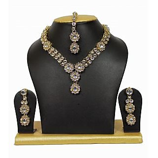 Most Beautiful Tiny Kundan Necklace Set in White