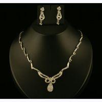 Kriaa White Pretty Necklace Set  -  2100404