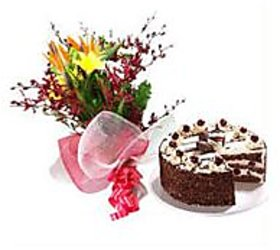 Mixed Beauties of Flowers with half kg Black Forest Cake