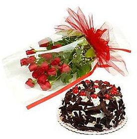 Bunch of Roses N Black Forest Cake Gift