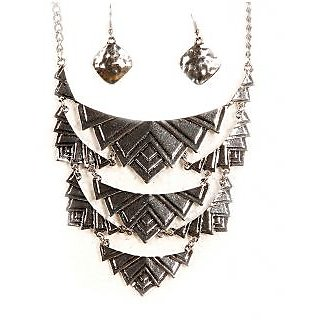 Urthn Ethnic Necklace Set  - 1103026