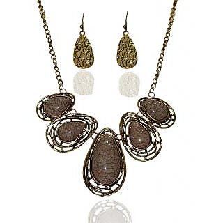 Urthn Glamour Design Necklace Set in Gray - 1103210