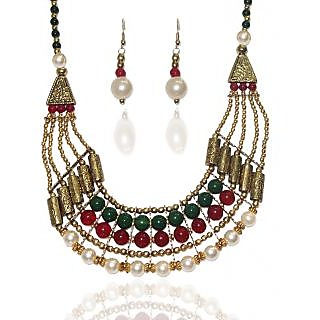 Urthn Pretty Necklace Set in  Multicolor- 1103316