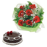 Beautiful Bunch Of Roses And Cake